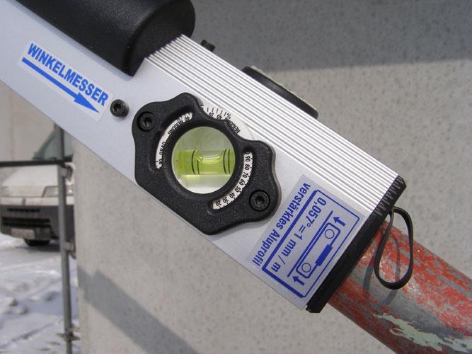 Exakte Winkeleinstellung an den Winkelwasserwaagen